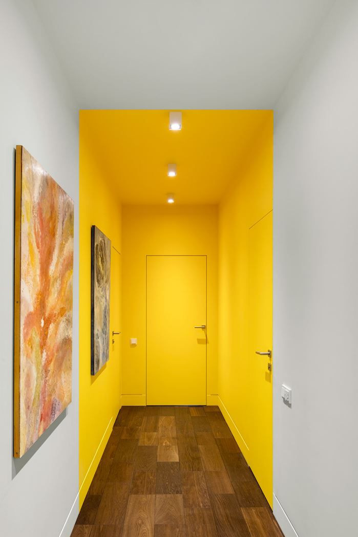 Creative ways to use paint around your home | Entrance ceiling painted in yellow colour painted by hand | Seasons in Colour Interiors Blog
