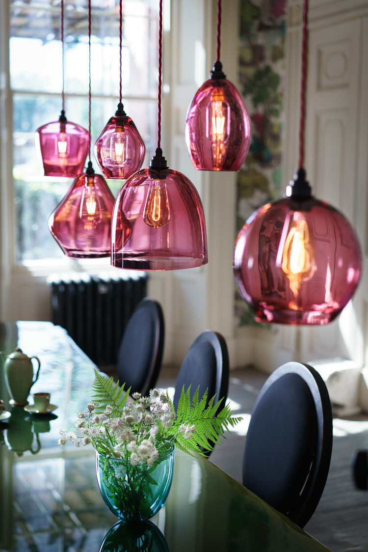 Curiousa&Curiousa pendant lights pink