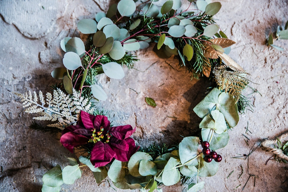 Donna Ford of Skirtingboardsandchandeliers christmas wreath