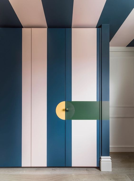 striped wardrobe and ceiling in blue and pink