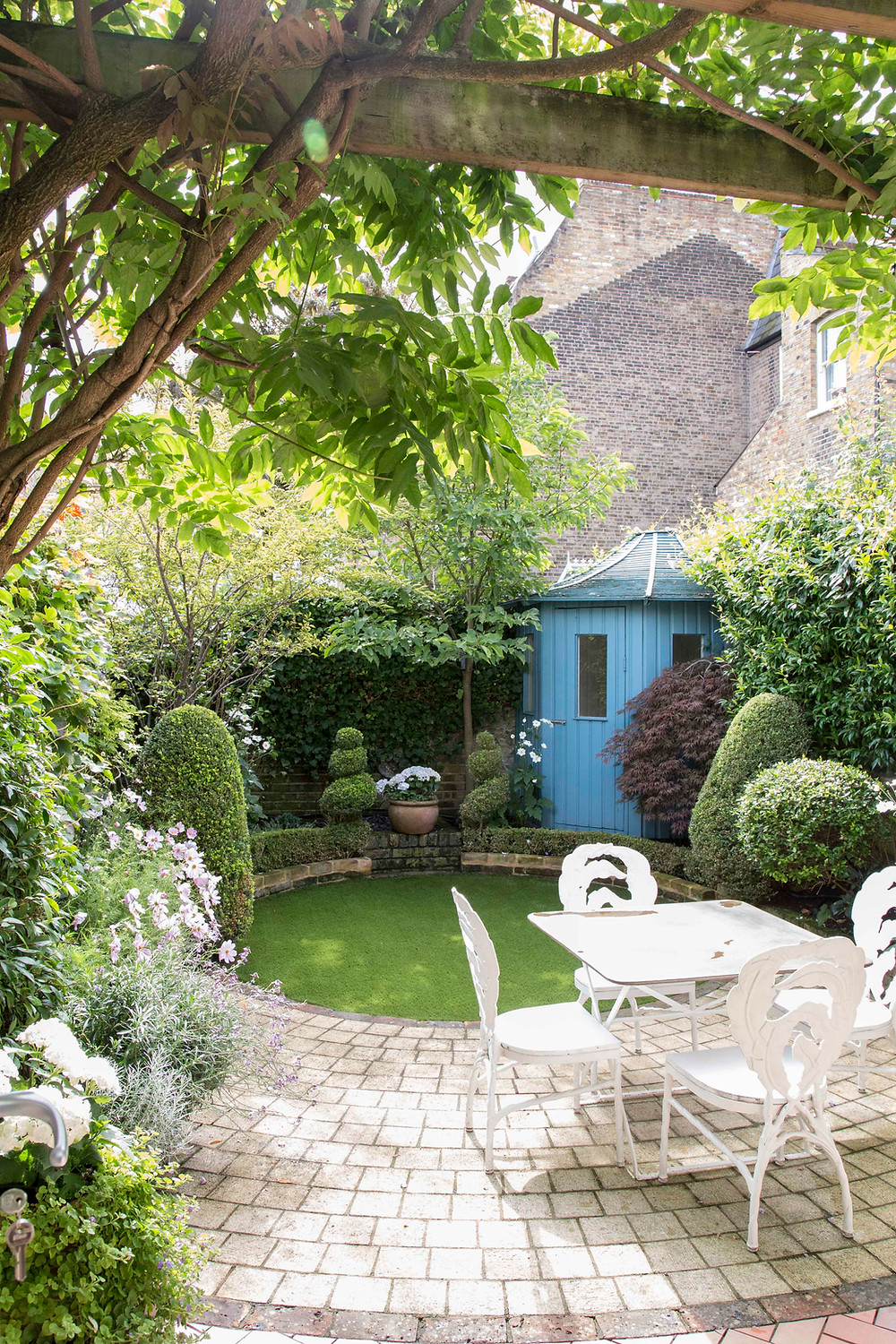 The English garden in the heart of Chelsea
