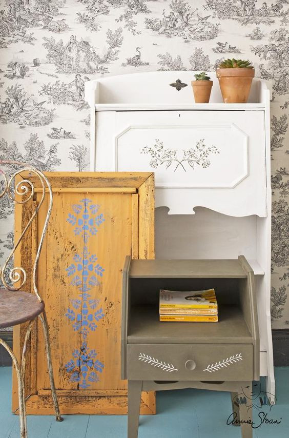 stencils on chairs by Annie Sloan
