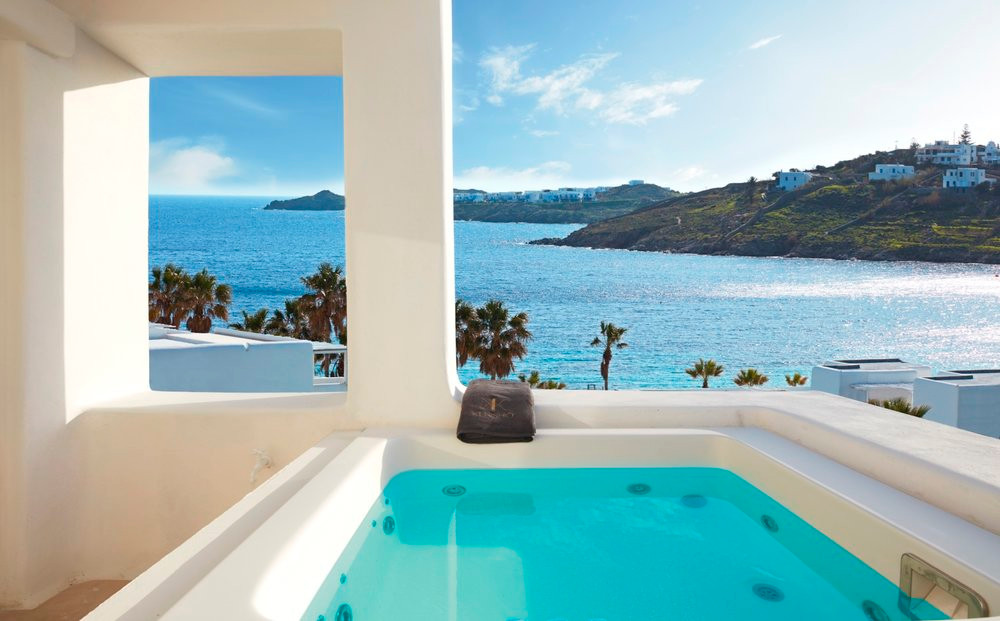 TRAVEL: KENSHO hotel , Mykonos, outdoors jacuzzi