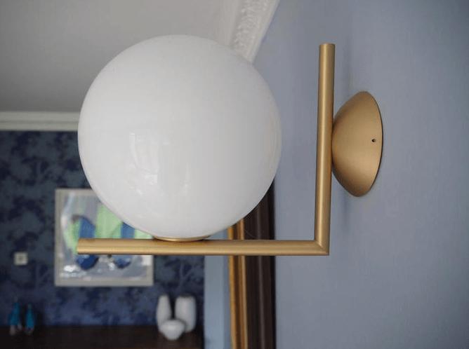 FLOS wall light in situ