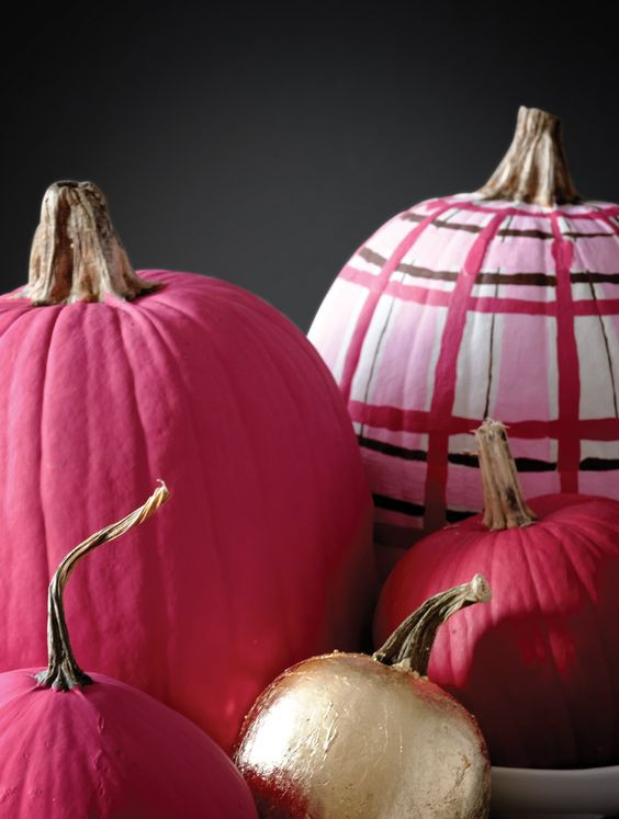 how to paint pumpkins in plaid effect pink - 10+1 ELEGANT decor ideas with pumpkins