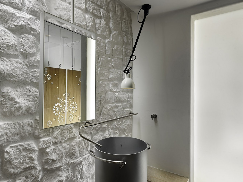 TRAVEL: KENSHO hotel , Mykonos room with light colour palette, bathroom