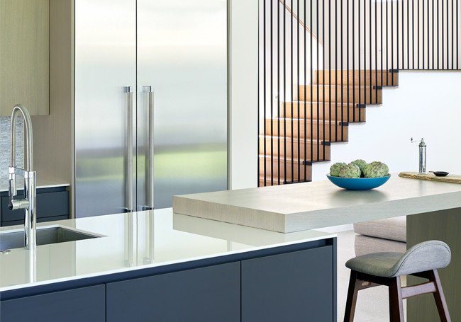 20 Contemporary staircases, kitchen island