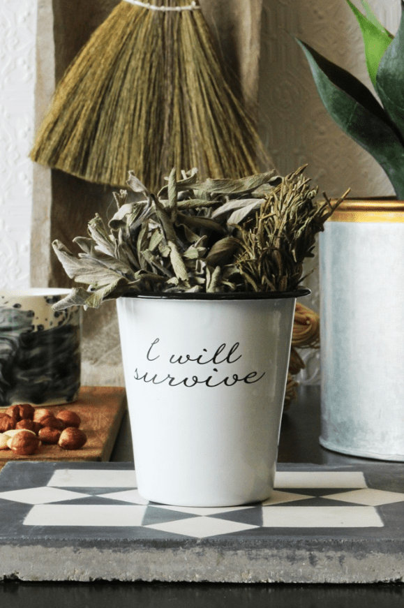 How to decorate with plant pots, enamel plant pot