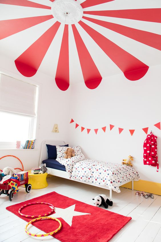 circus style ceiling in kids room - how to decorate your ceiling