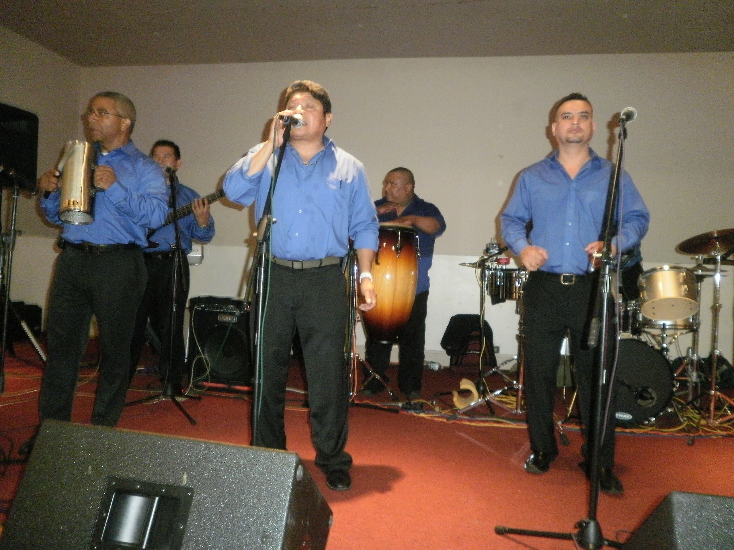 Grupo Los Nitidos (8-18-12)