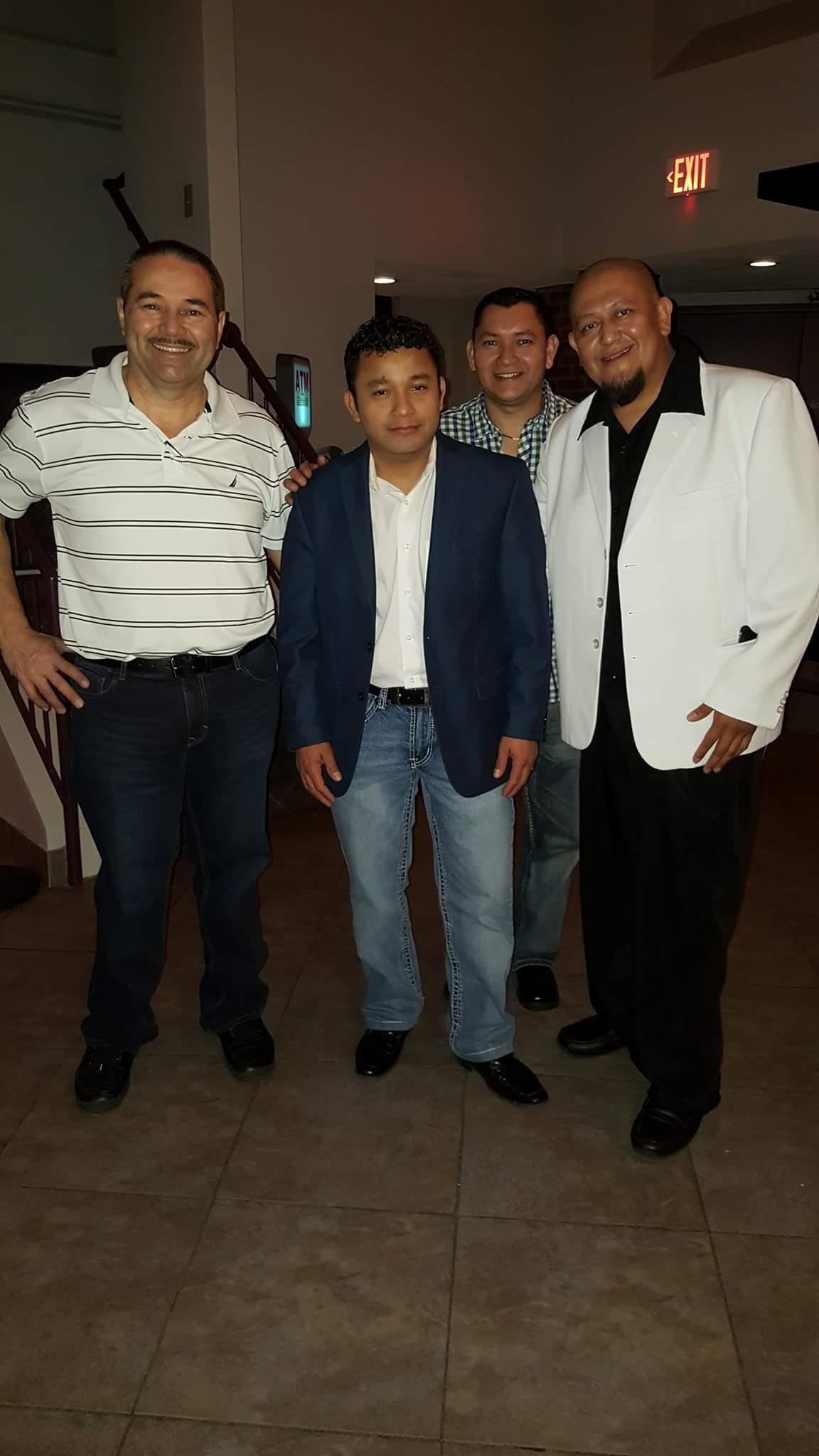 Ricardo, Jose, y Chris y Amigo