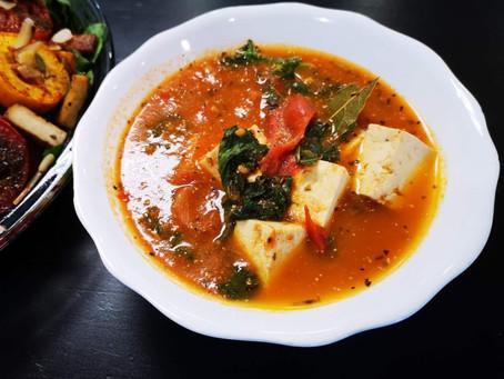 Tomato & Kale Soup