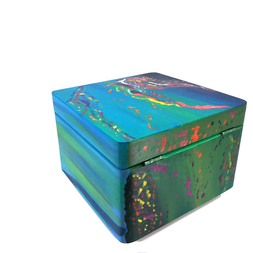 Hand-painted wood box (20 x 20 x 14 cm)