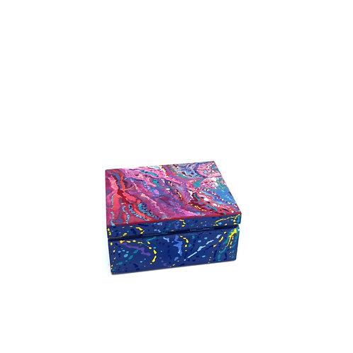 Hand-painted jewelry wood box (9.7 x 7.8 x 4.7 cm)