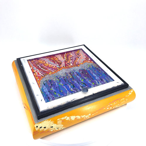 Hand-painted make-up wood box (20 x 20 x 5 cm)