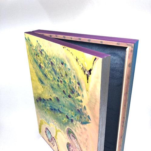 Hand-painted wood box (32.5 x 25.3 x 4.7 cm)