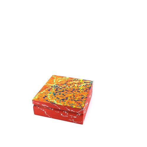 Hand-painted jewelry wood box (10 x 10 x 3.7 cm)