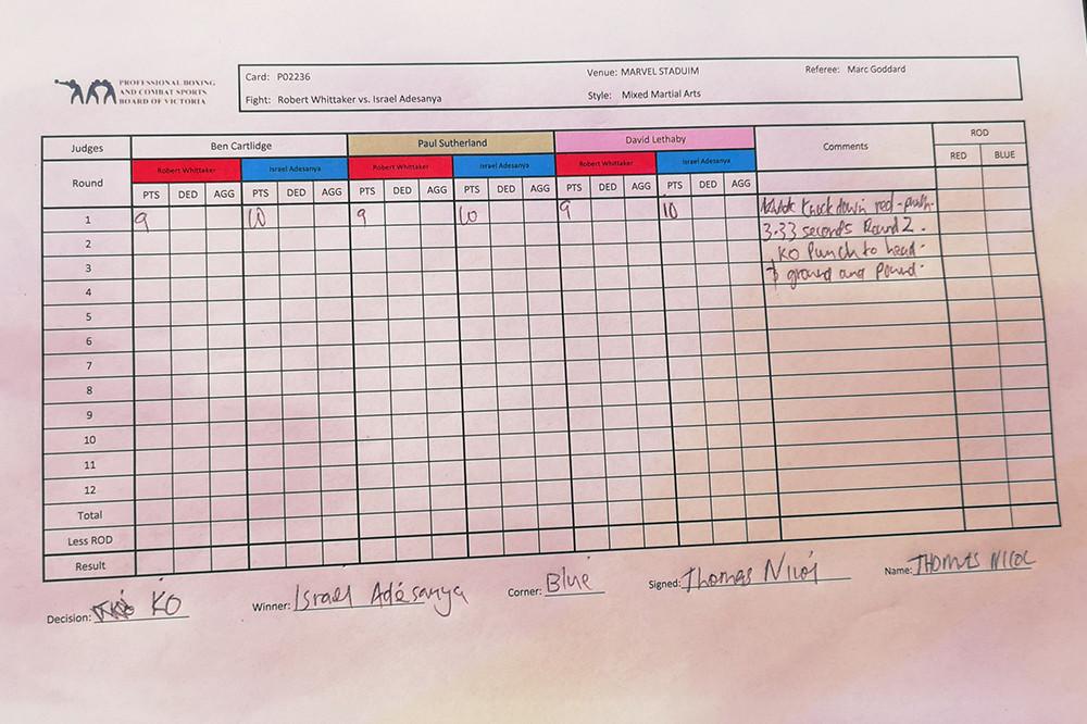 Israel Adesanya (18-0 MMA, 7-0 UFC) venceu Robert Whittaker (20-5 MMA, 11-3 UFC) por nocaute