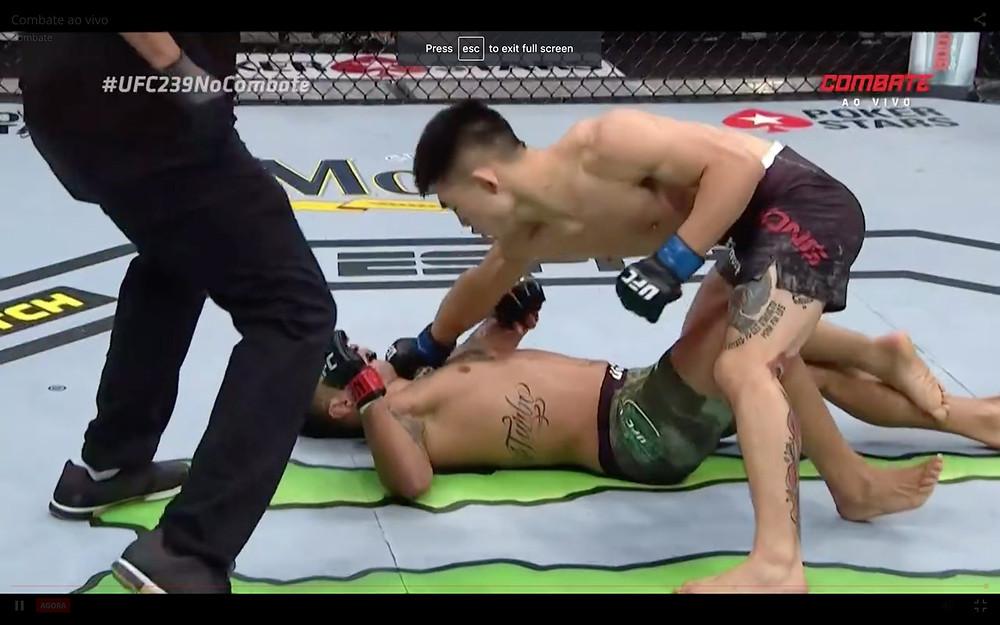 Yadong Song vence Alejandro Pérez por nocaute no 1R