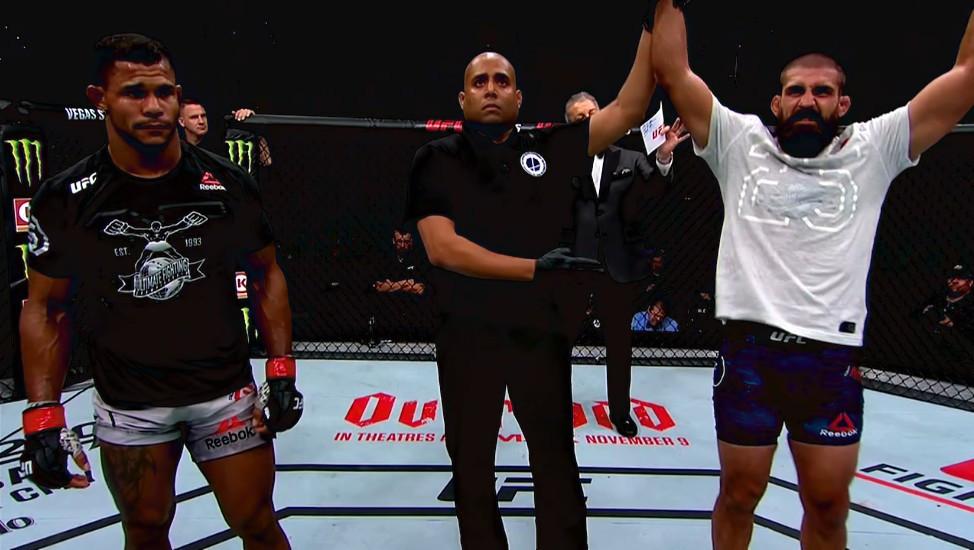 Alex Garcia vs. Court McGee (vencedor; decisão unânime)