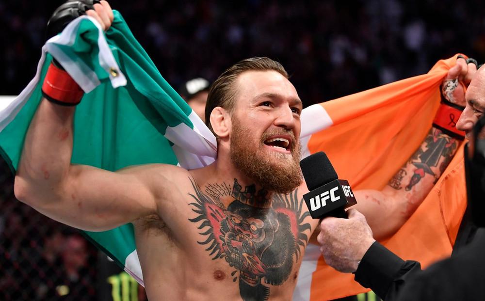 Conor McGregor vence Donald Cerrone por Nocaute Técnico no 1R