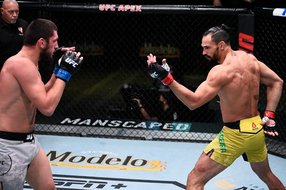 Michel Pereira vence Zelim Imadaev por finalização no 3R