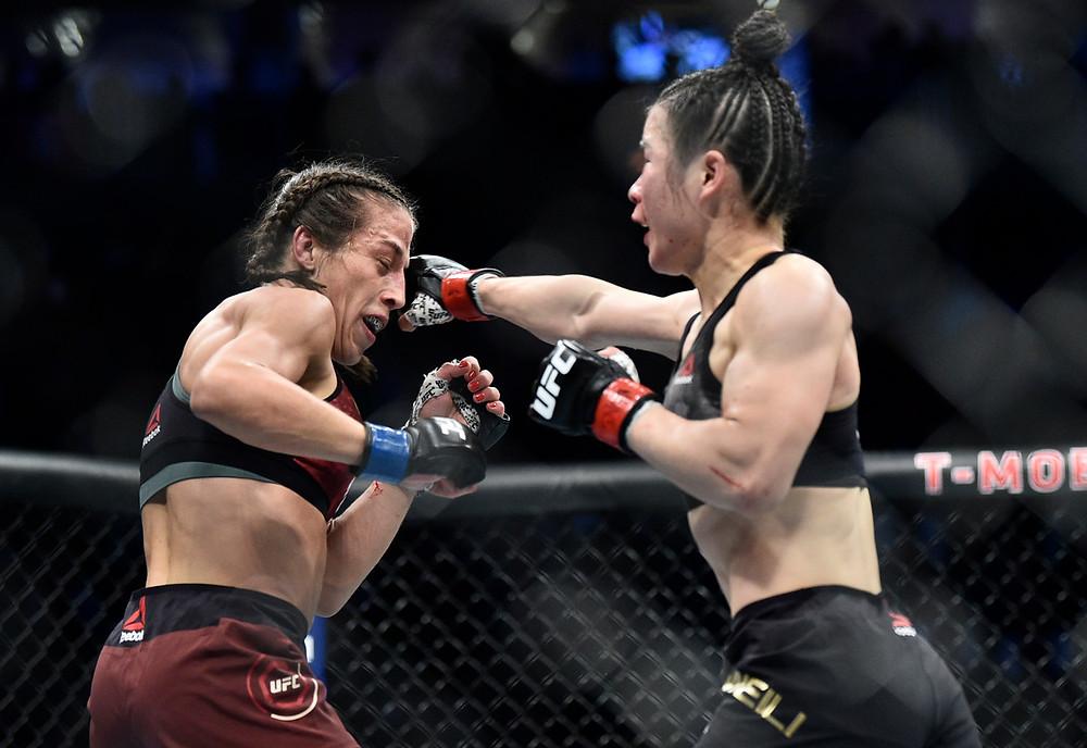 Zhang Weili vence Joanna Jędrzejczyk por decisão dividida (48-47, 47-48, 48-47)
