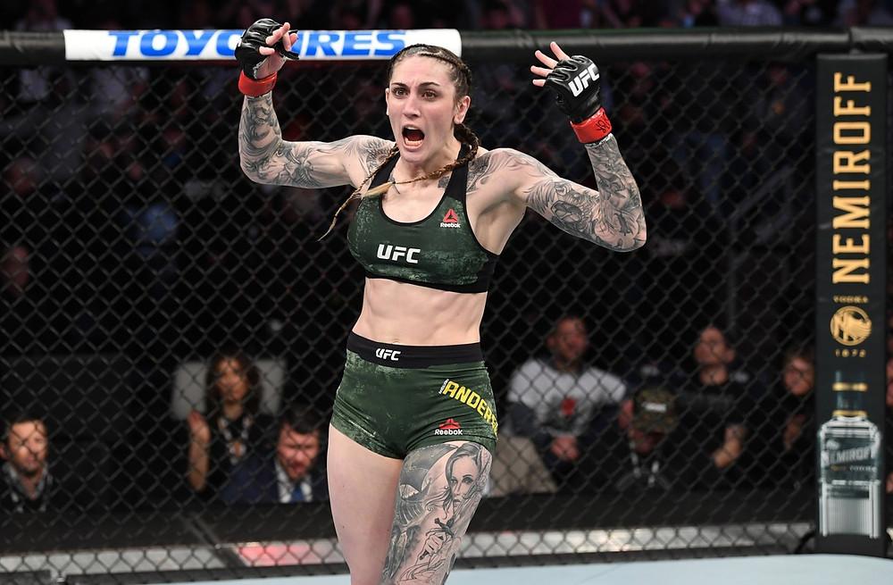Megan Anderson vence nocaute técnico Norma Dumont Viana no 1R