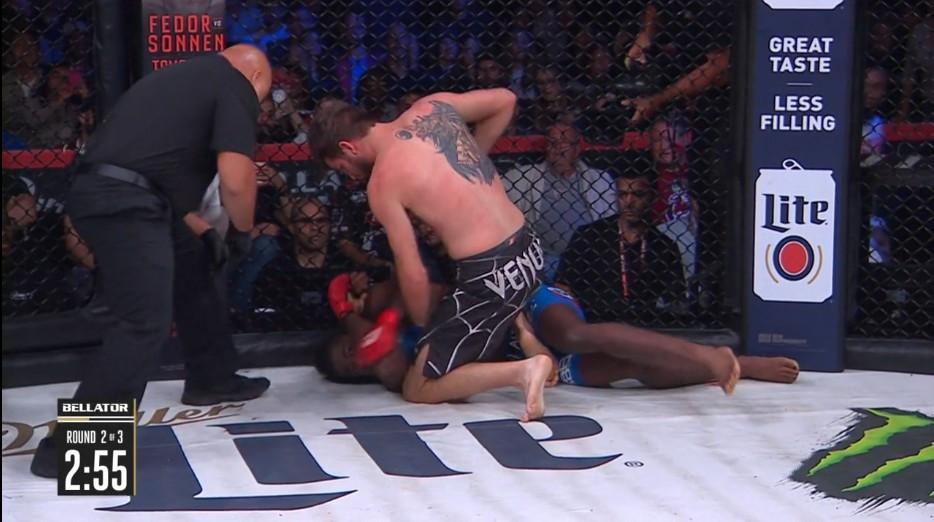 Corey Browning (vencedor; nocaute técnico; 2R) vs. Kevin Ferguson Jr.