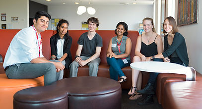 Students at QBI van Swideren lab