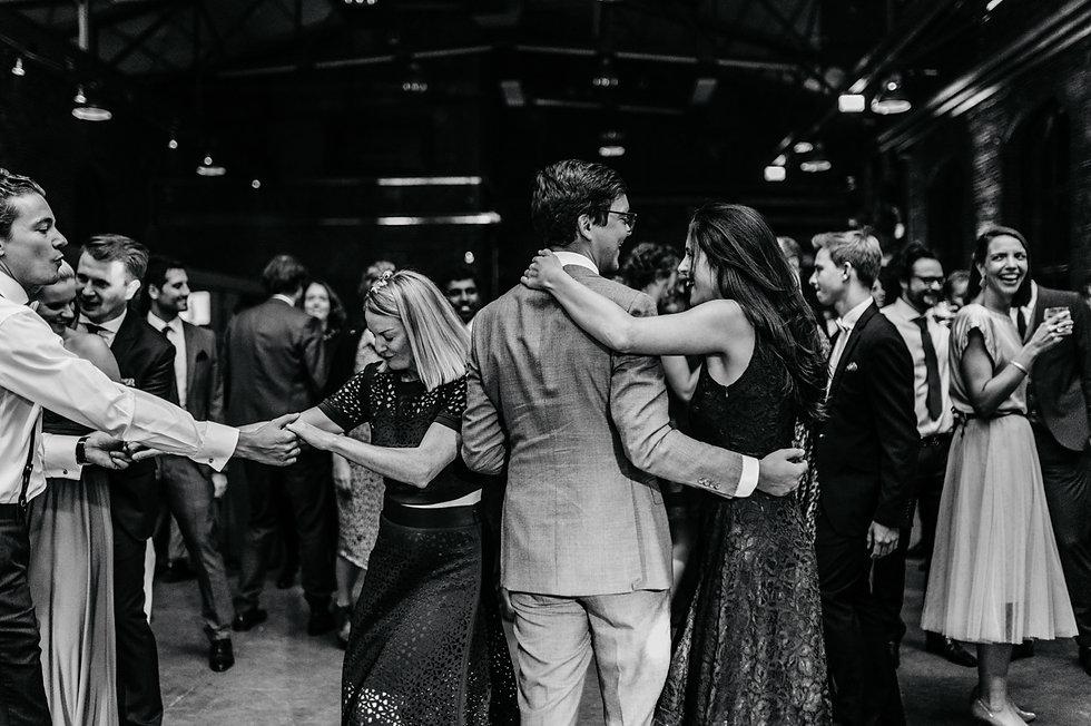 Hochzeitsfotograf Köln Deutz, natürliche Hochzeitsfotos, love storys, Paarshooting