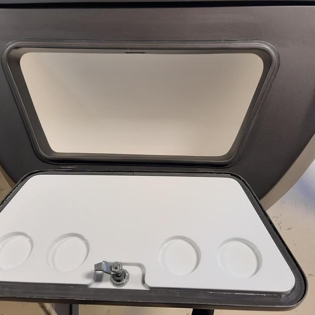Built in coolerbox