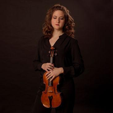 Aliza Vicente Aranda, violinista de Bambú Ensemble, está especializada en violín barroco