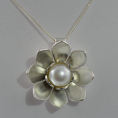 Pearl lotus pendant