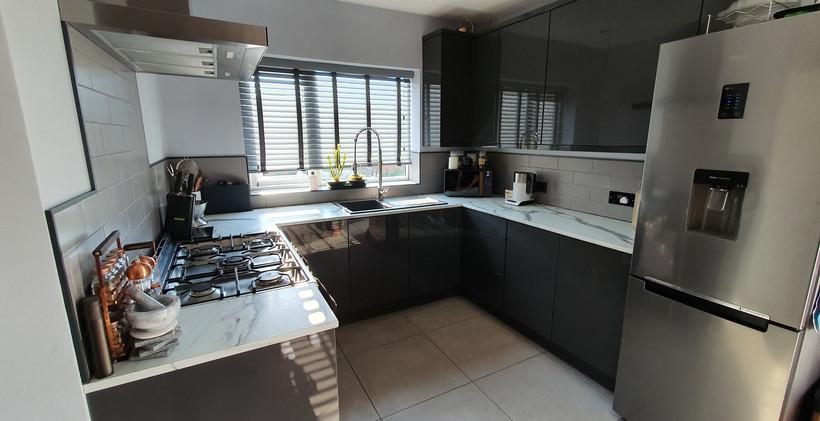 Graphite High Gloss Kitchen