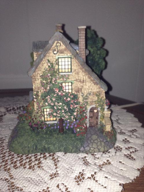 Stonebrooke Inn - Thomas Kinkade Lamp Hawthorne Village Collection 1999