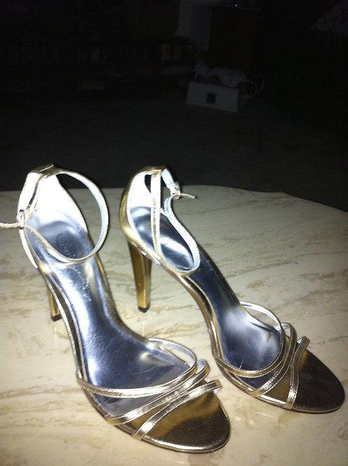 Jessica Simpson Gold Heels 8 1/2 B 4 heel