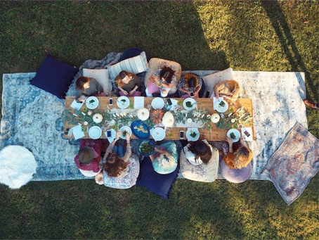 The Perfect Outdoor Friendsgiving