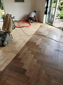Visgraat houten schuur vloer
