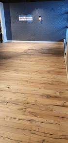 Showroom houten vloer Obdam.jpg