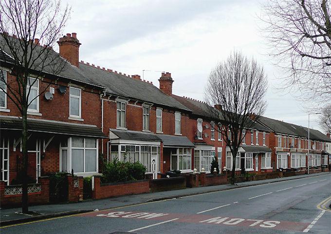 Terraced_housing_in_Lea_Road,_Wolverhamp