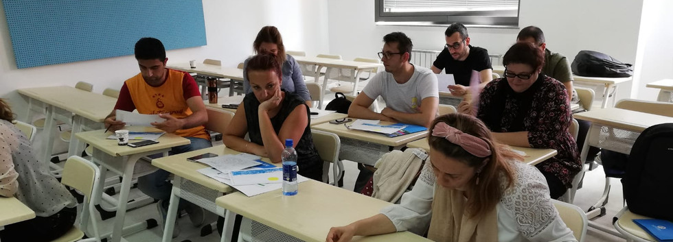 Students are participating in exercises on inclusion that promotes equality and fundamental human-rights at the International Univeristy of Sarajevo/Balkan Studies Centre.