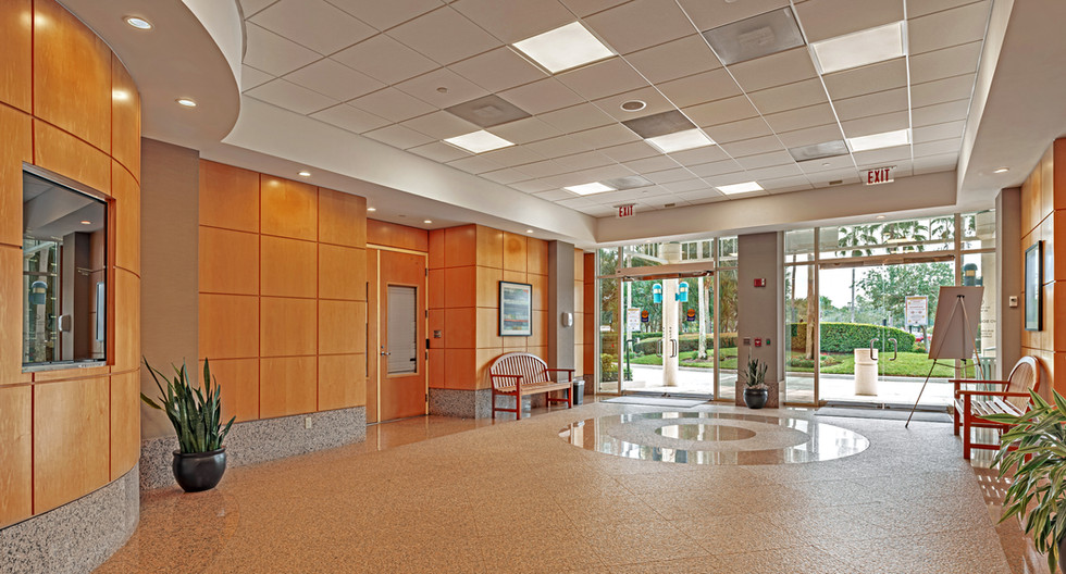 7121 Lobby Looking Out-hdr.jpg