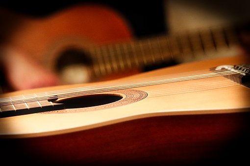 classical-guitar-3817990__340.jpg