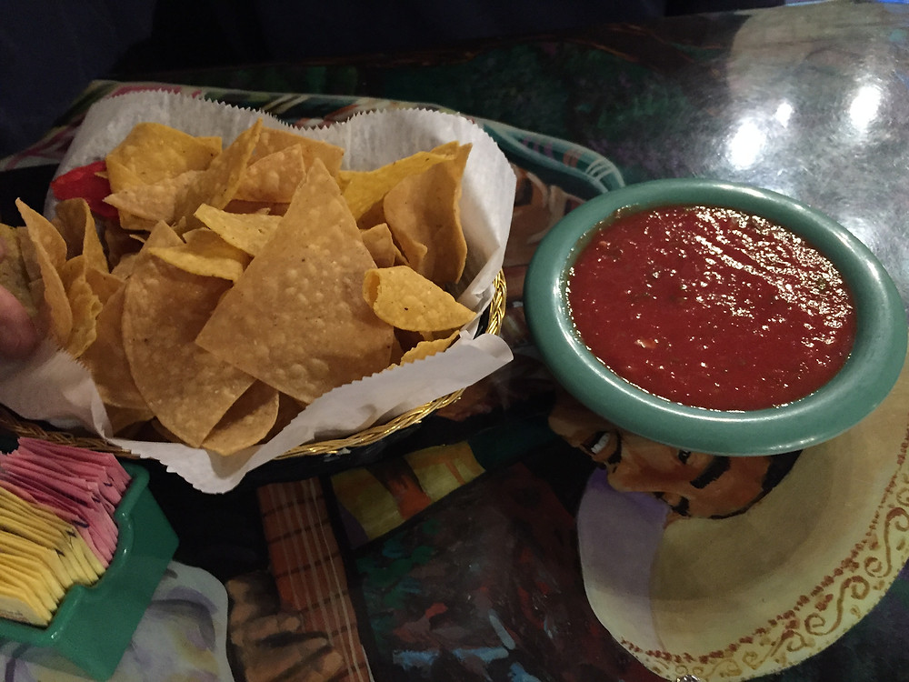 Chips and salsa at El Olemca | huntsvillelifemagazine.com