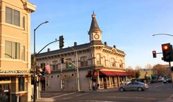 Downtown Walk & Wine | Beer Tour