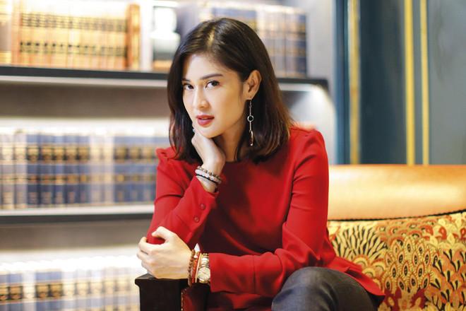 Dian Sastrowardoyo - Actress. Portrait Photography by Yunaidi Joepoet - Jakarta, Indonesia