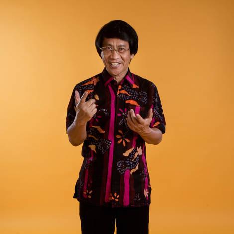 Kak Seto - Chairman of the National Commission on Child Protection. Portrait Photography by Yunaidi Joepoet, Jakarta - Indonesia