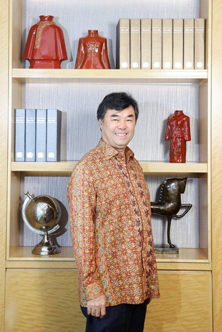 Martua Sitorus - Wilmar International & Gama Corporation. Portrait Photography by Yunaidi Joepoet - Jakarta, Indonesia