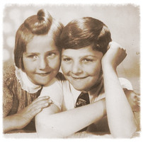 Hana and George 1940_edited.jpg